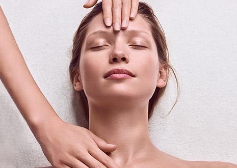 Mujer en un tratamiento Skin Spa