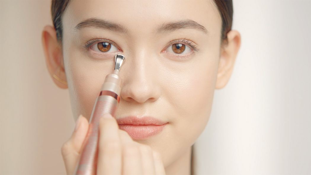 Apply the Clarins way